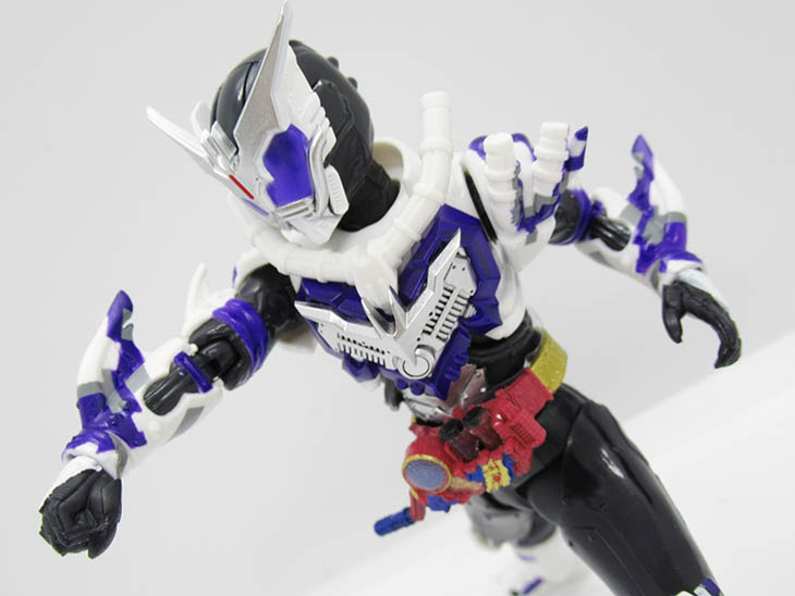 S.H.フィギュアーツ 仮面ライダーマッドローグ|おもちゃライダー